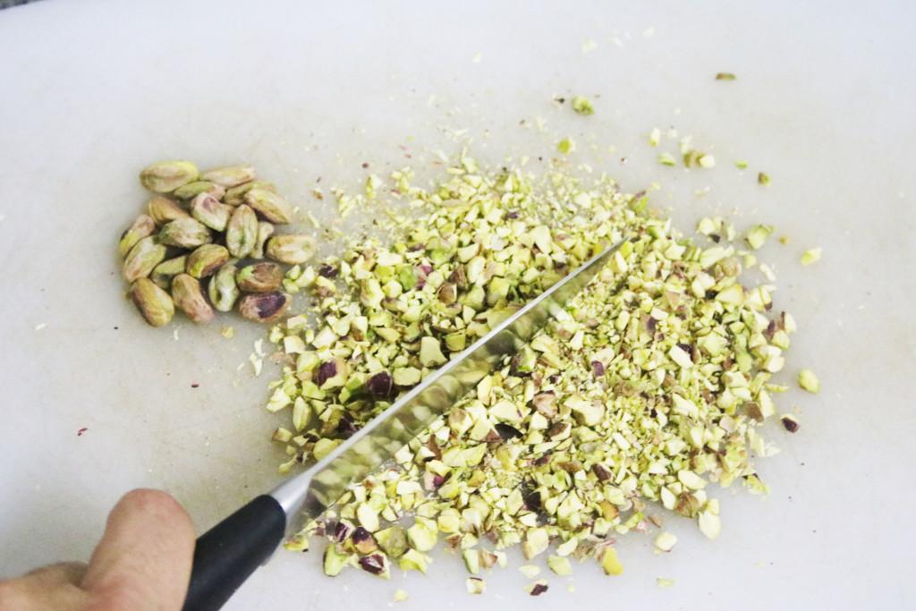 Pica los pistachos